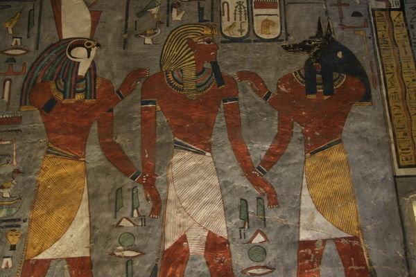 Pintura en la tumba de Ramsés I. Tumba KV16 en el Valle de los Reyes, Egipto.