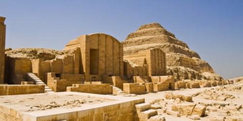 Pirámide escalonada de Sakkara