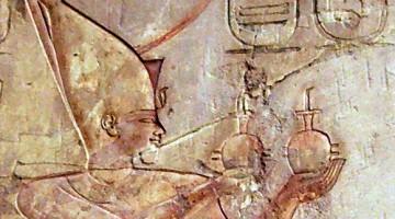 Psamético I en un grabado en su tumba en Tebas