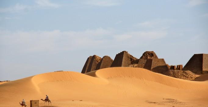 colonizacion egipcia de Nubia. Comercio con África.