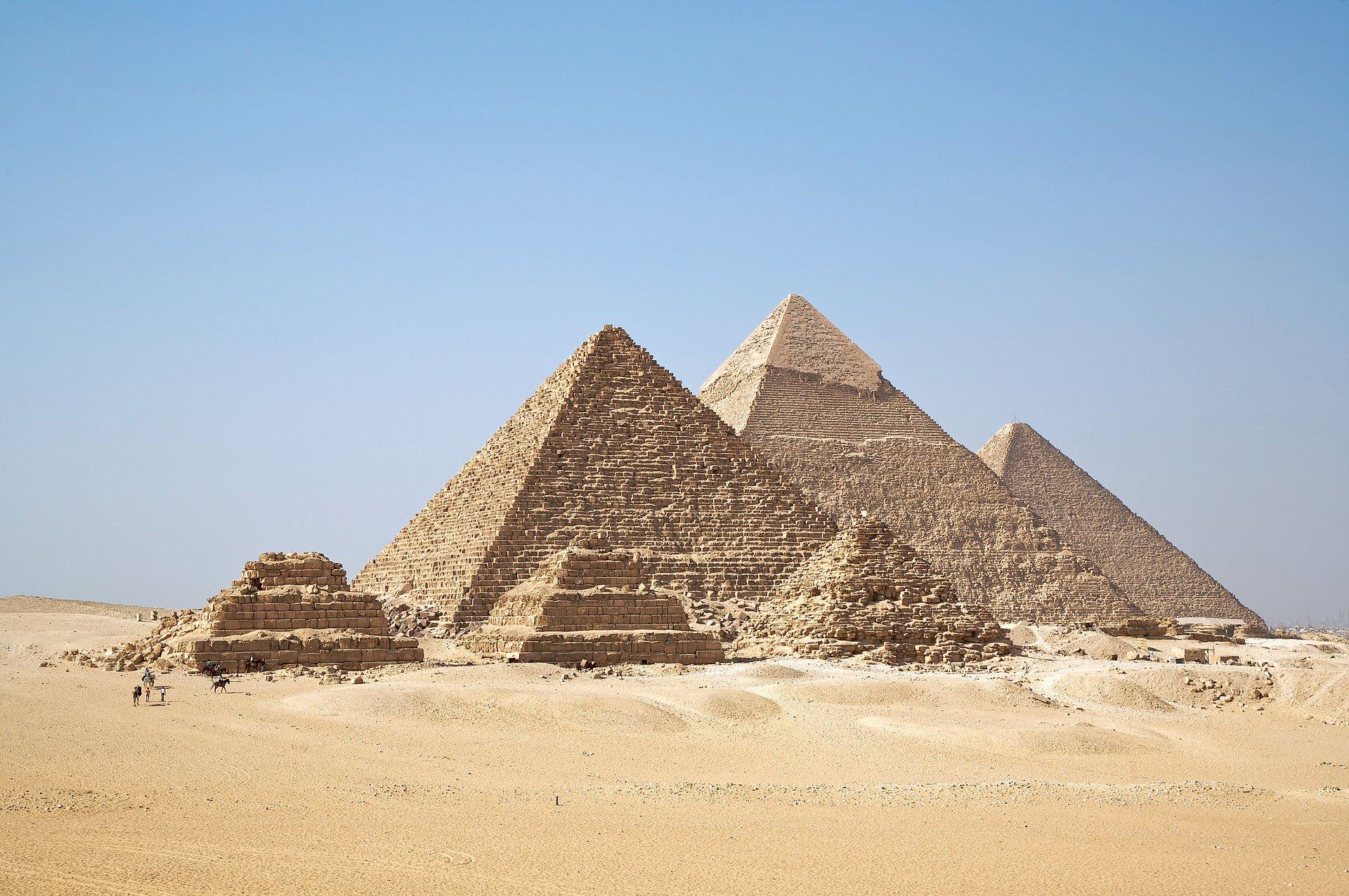 egiptologia. Las piramides de egito y su estudio
