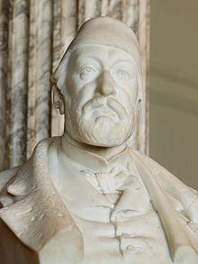 estatua de Auguste Mariette
