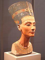 Escultura de la reina Nefertiti